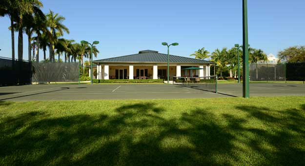 rptc-miami-tennis-clubhouse-macy-court
